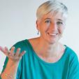 Ericka Kuyters is zelfstandig trainer, coach en projectleider op het gebied van persoonlijke ontwikkeling, communicatie, samenwerking en sociale vernieuwing binnen kuyters&partners